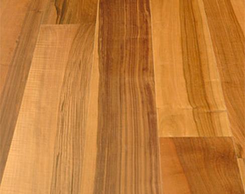 Pavimenti in legno di Noce nazionale