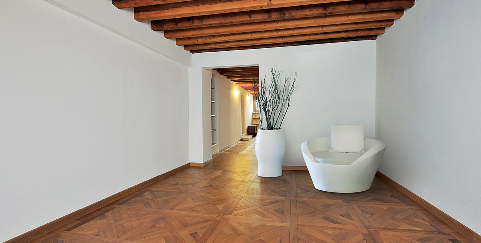 Carpet tiles in Iroko model Thames