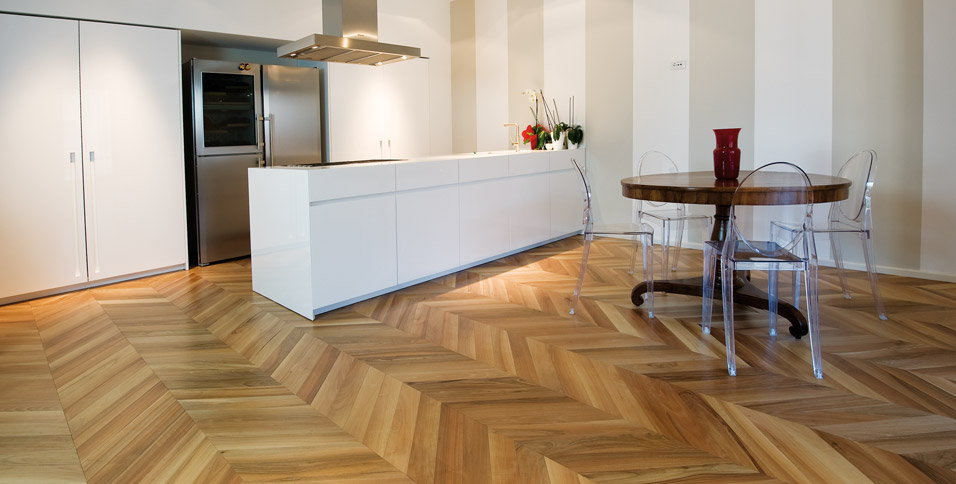 Walnut wood flooring in natural pose a Spina Hungarian Noblesse