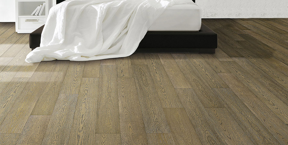 Oak wood flooring in London model